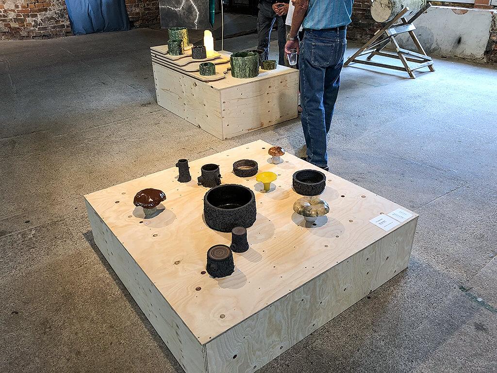 Svampar och stubbar – Keramik av Ulf Samuelsson